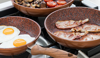 Bien choisir sa poêle de cuisine : les poêles en granit